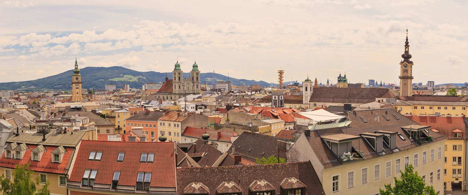 Panorama of the city of Linz