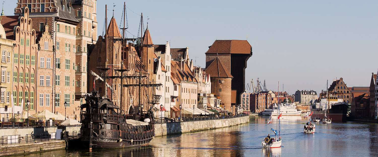 Port of the old town of Gdansk with the crane gate