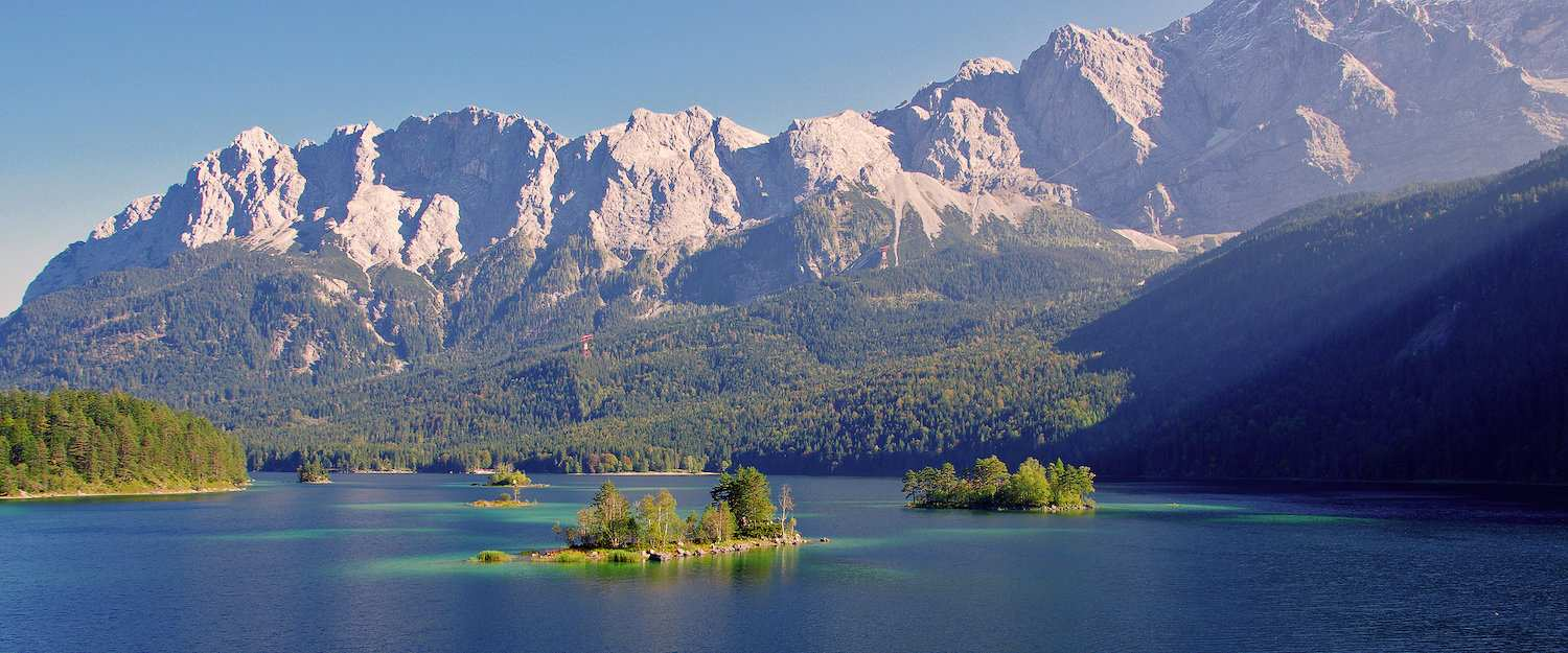 View over Lake Eibsee