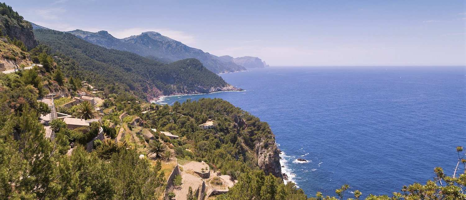 Serpentines in the Tramuntana mountains for cyclists